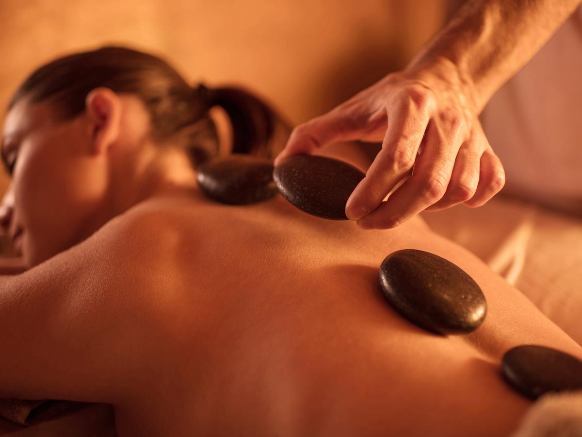 Steamy Asian Massage Parlour London